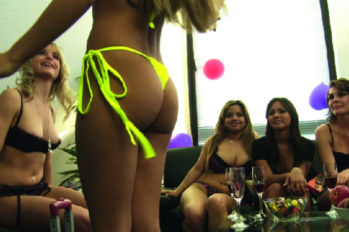 Sexy Dessous and Toys Party II 001